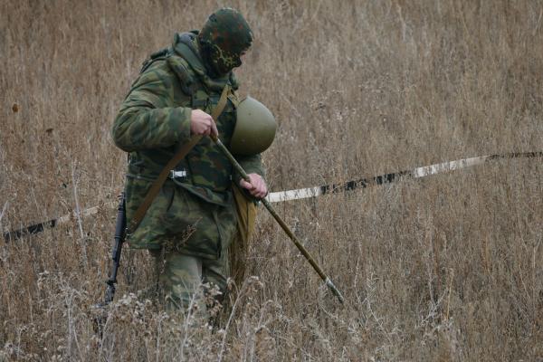 Продолжается разминирование в районе н.п. Золотое-5 - НМ ЛНР