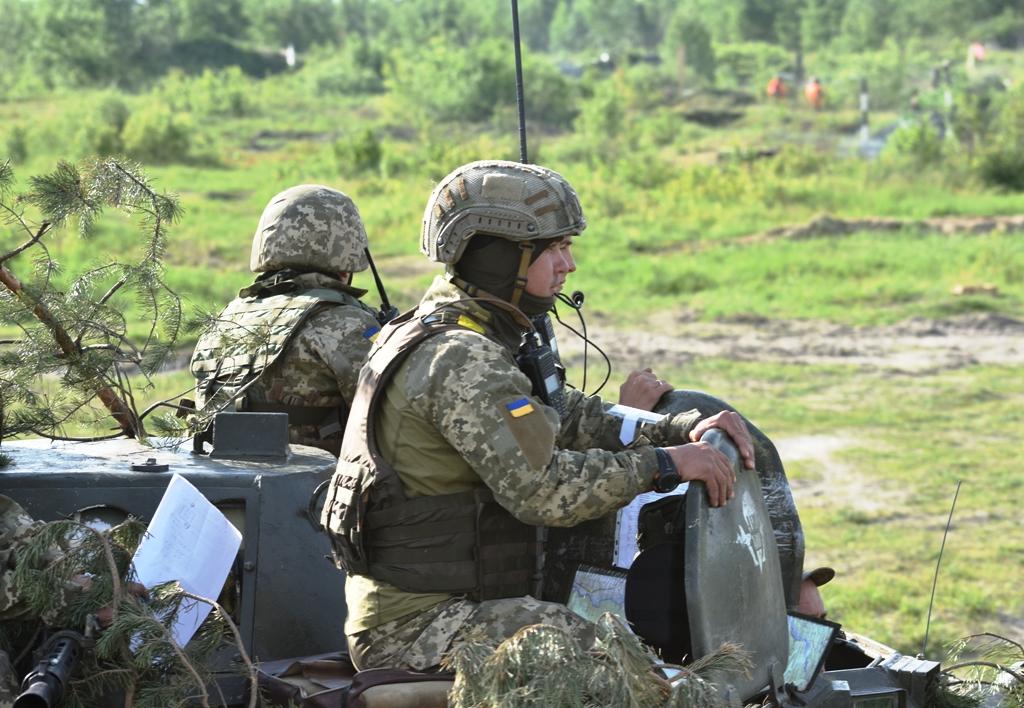 Киевские силовики продолжают наращивать силы в районе линии соприкосновения сторон - НМ ЛНР