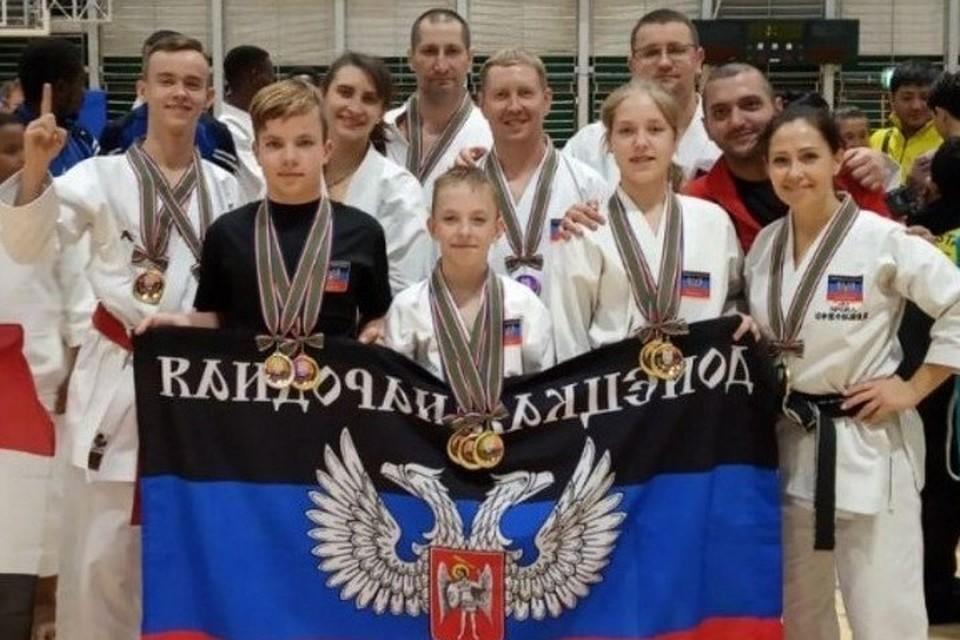Сборная ДНР по каратэ завоевала 10 золотых медалей на Кубке мира в Японии