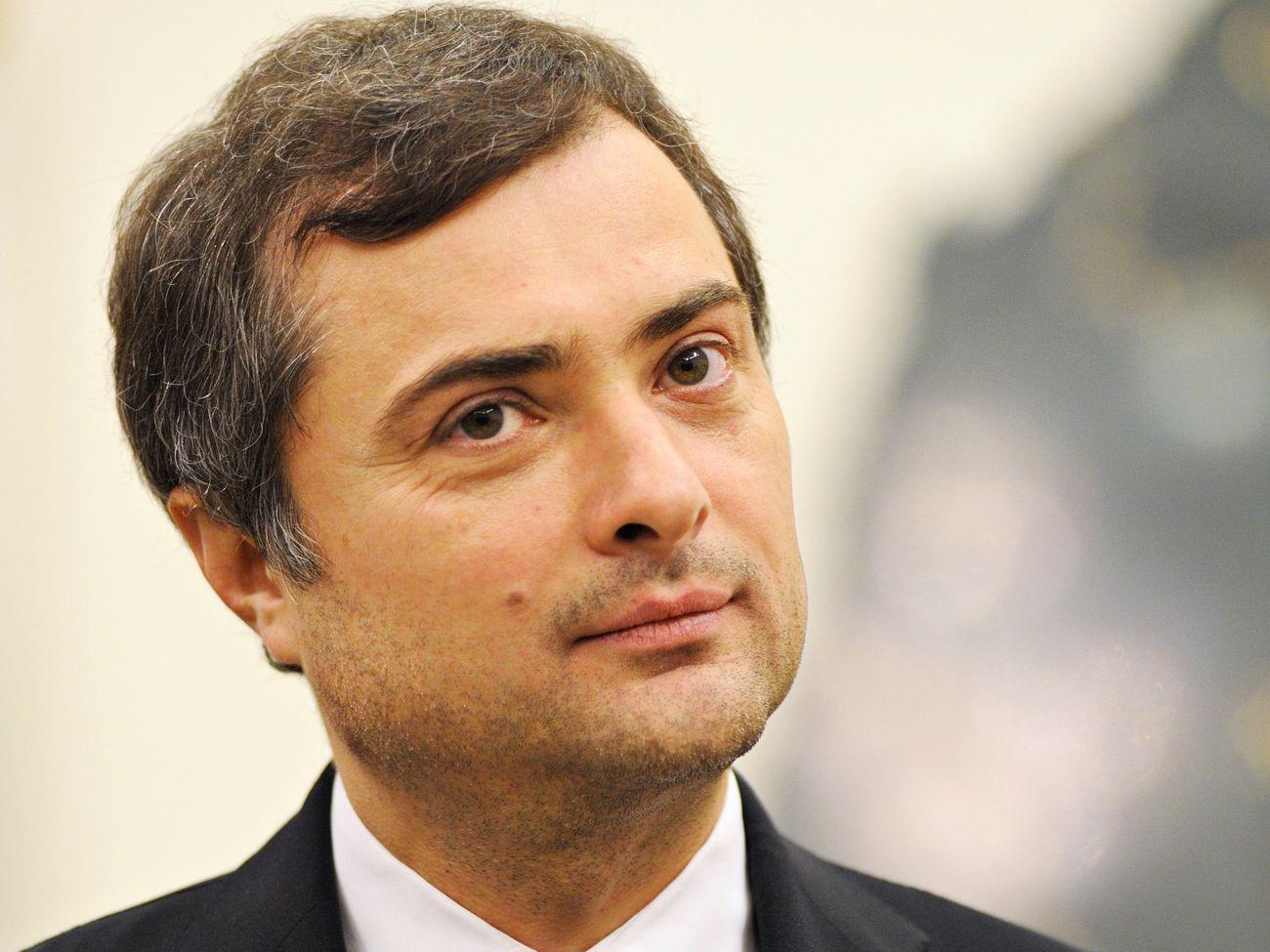 Владислав Сурков поздравил Главу ДНР с наступающим Новым годом и Рождеством