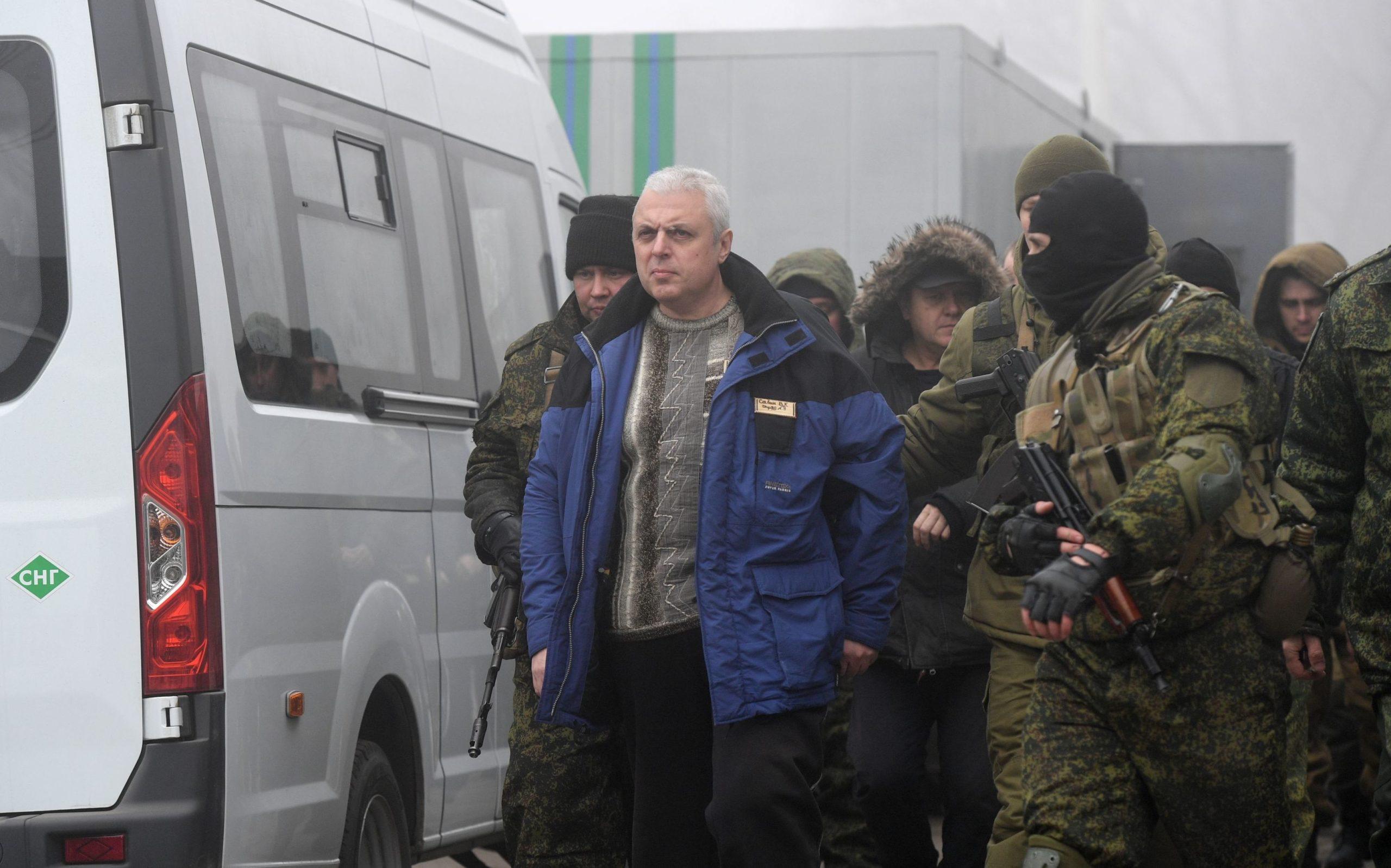 На КПП Горловка началась процедура обмена пленными между Донбассом и Украиной. Онлайн-трансляция
