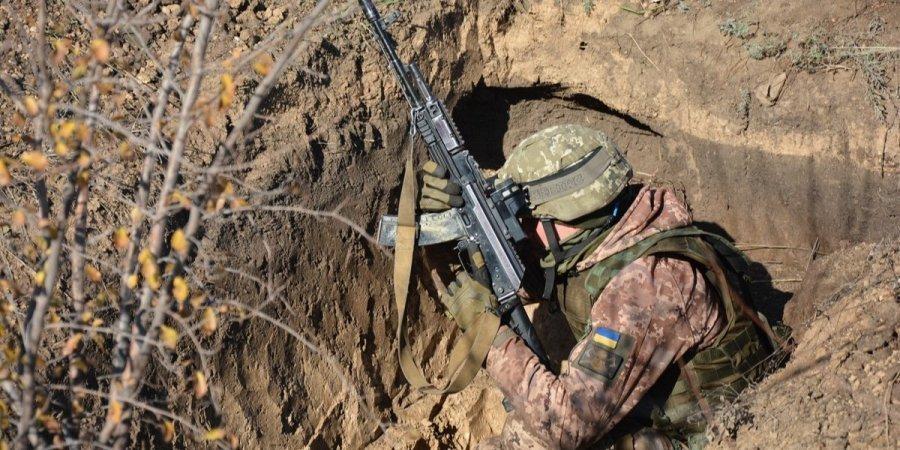 Украинские силовики за сутки 12 раз нарушили режим прекращения огня