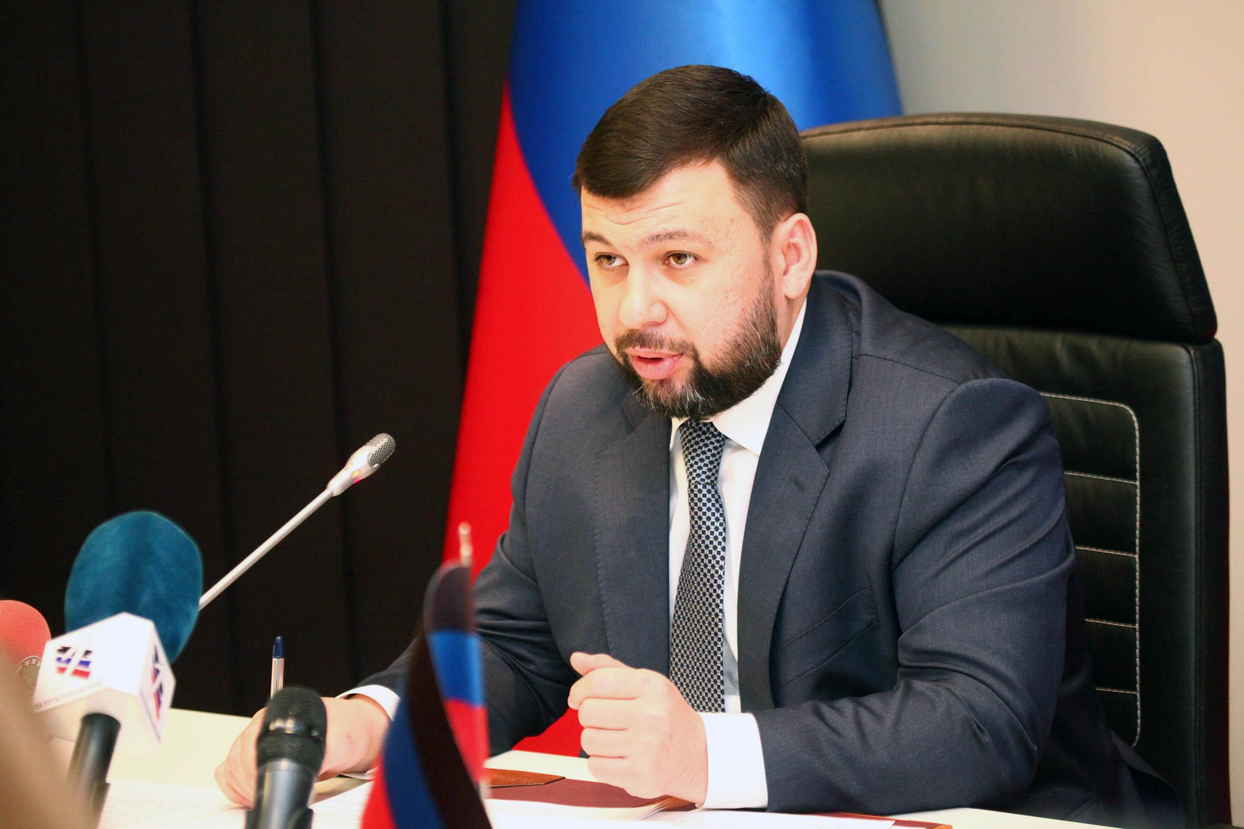 Глава ДНР Денис Пушилин ознакомился с работой предприятий в Торезе и Снежном