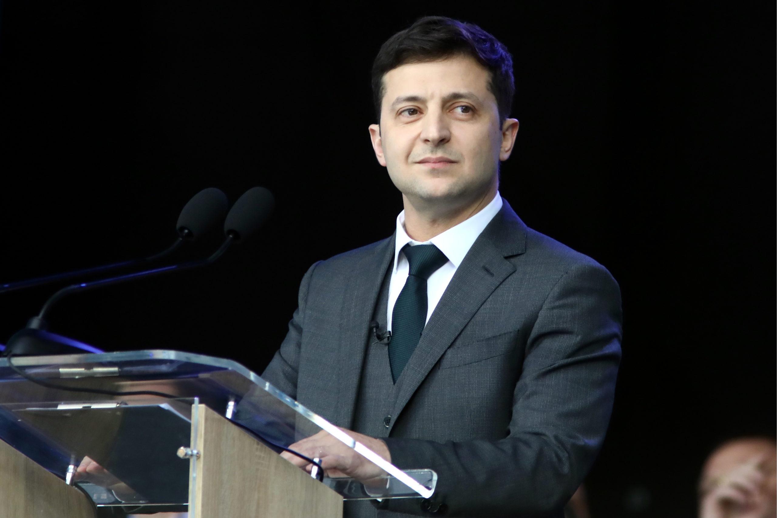 Зеленский пообещал закончить войну в Донбассе