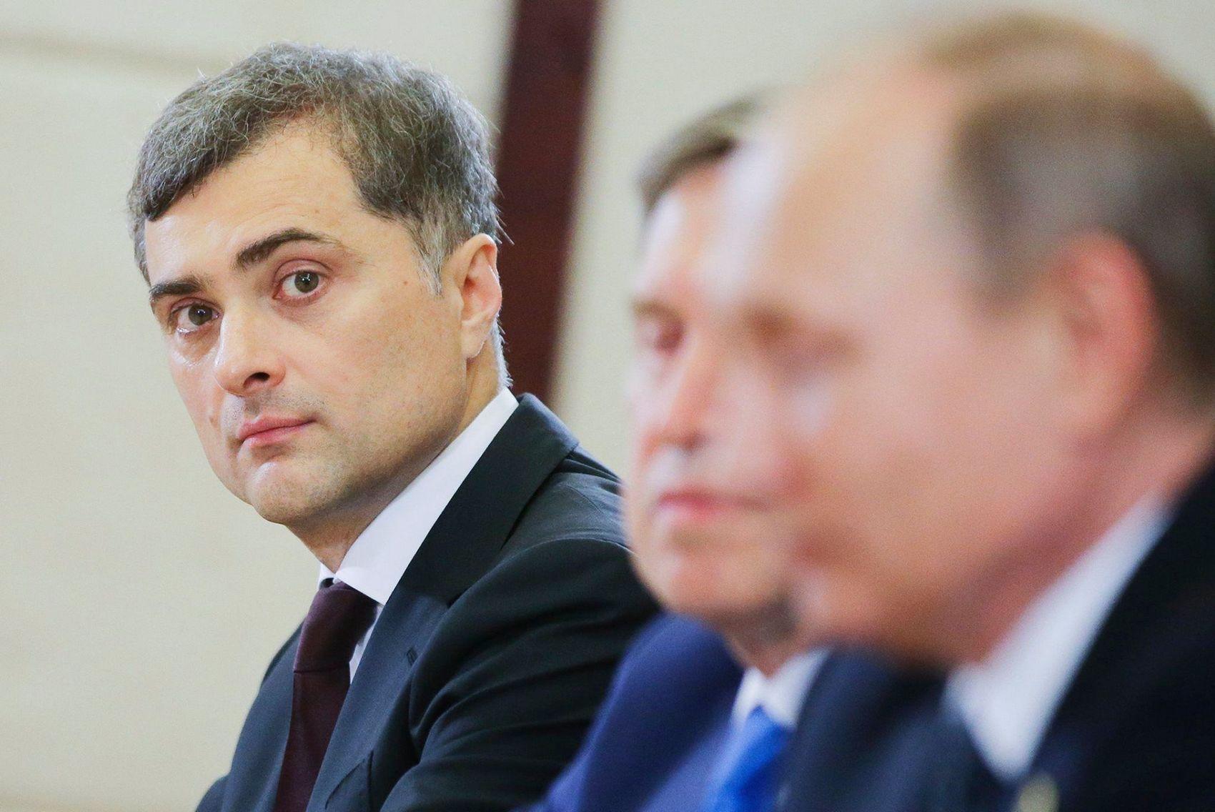 Песков: Владимир Путин встречался с Сурковым перед отставкой