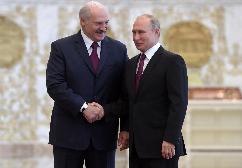 Лукашенко заявил о «неожиданном предложении» Путина по поставкам нефти