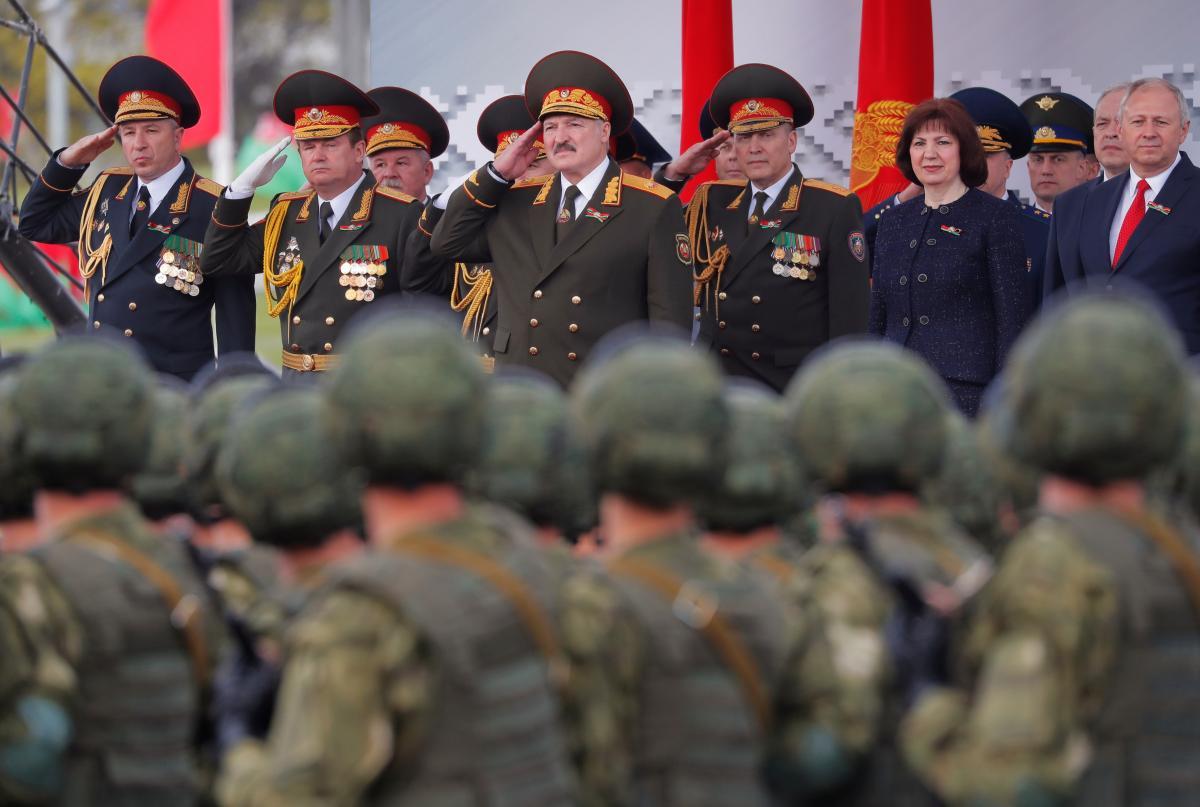 Лукашенко призвал не торопиться с «осуждениями» за проведение парада