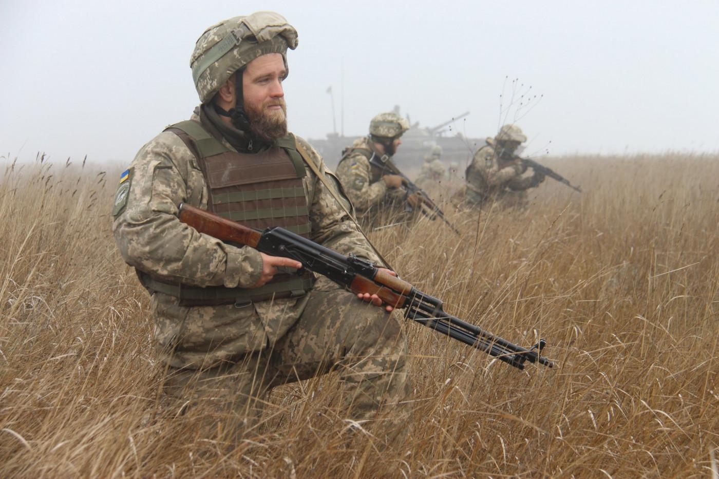 Украинские силовики за сутки 8 раз нарушили режим прекращения огня